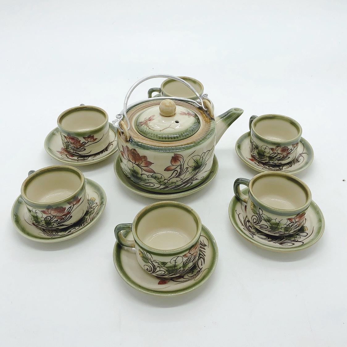 Bộ ấm chén/ Bộ bình trà men da lươn vẽ sen (dáng ấm vuông)
