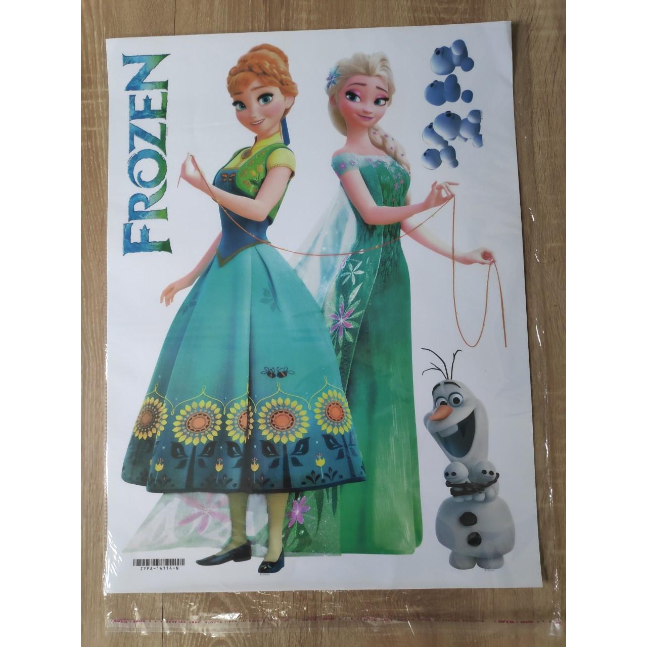 Decal hình dán tường 3D công chúa Elsa và Anna