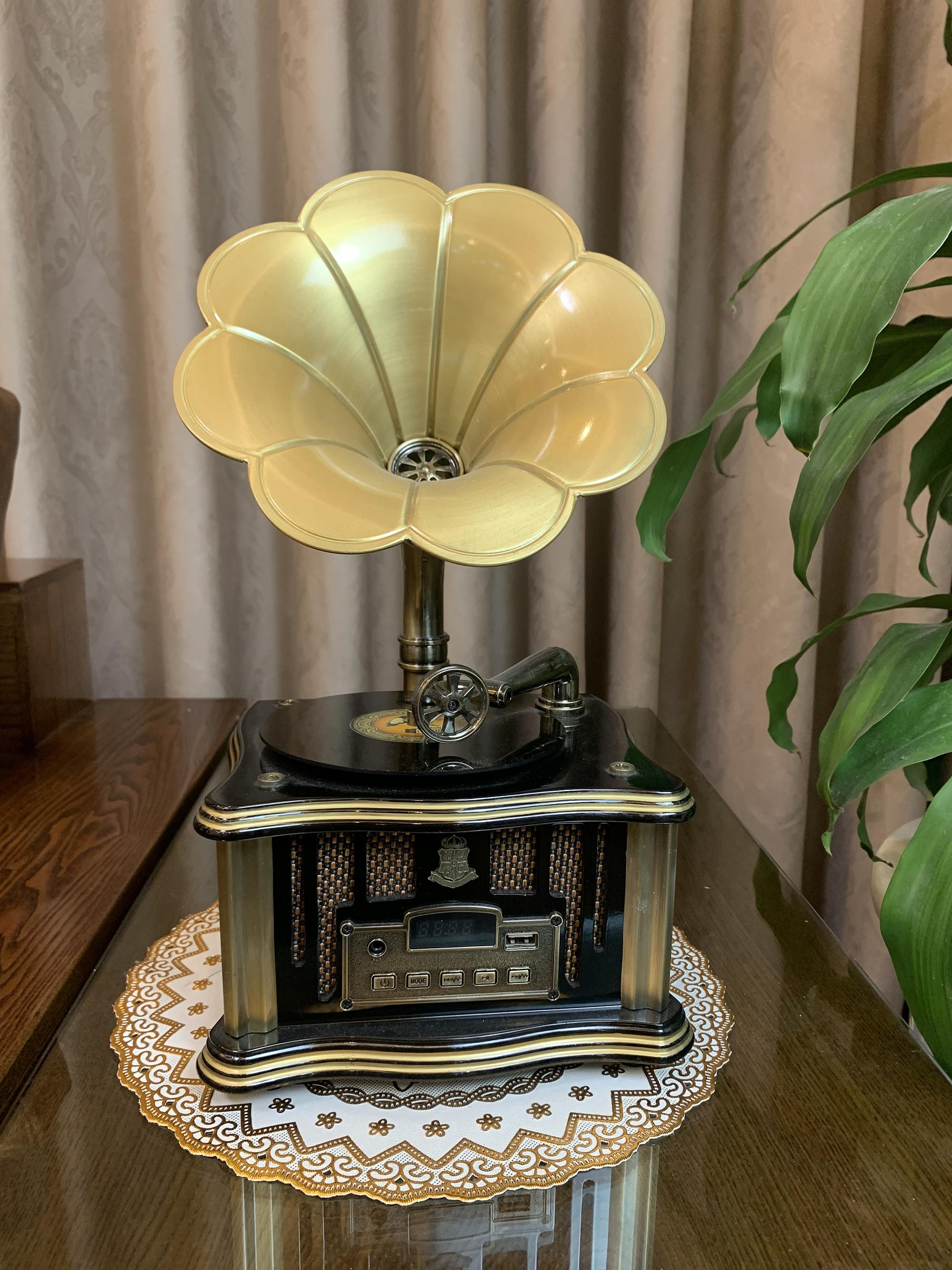 Bộ Combo Sản Phẩm Máy Hát Loa Kèn (Vàng Đen) + Điện Thoại Bàn Dùng Sim Di Động (Combo1)