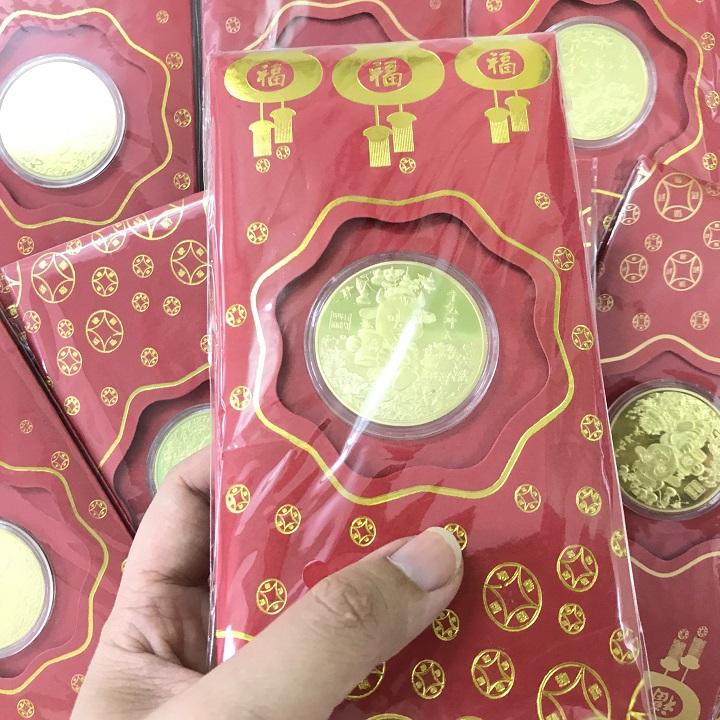 Bao Lì Xì Con Trâu Thần Tài màu Vàng, mang đến sự sung túc và may mắn cho gia đình; dùng để lì xì, treo trong nhà, cây hoa mai - SP002425