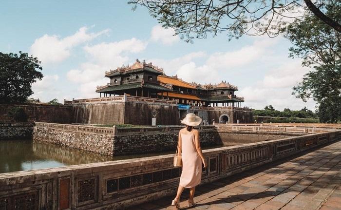 Tour miền Trung 4N3Đ giá rẻ từ HCM tham quan Đại Nội Huế