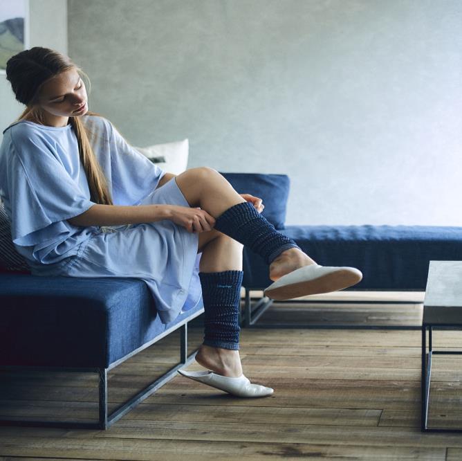 Tất nano Sleepdays Nhật hỗ trợ phục hồi bắp chân (màu xanh)