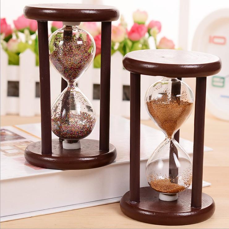 Đồng hồ cát khung gỗ để bàn -  giao màu ngẫu nhiên