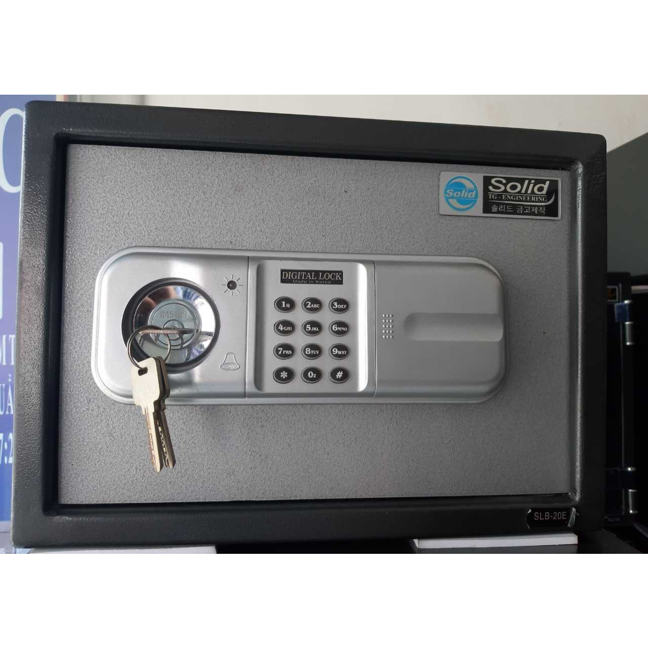 Két Sắt Hàn Quốc Solid khách sạn SLB - 20EC có chìa 11kg