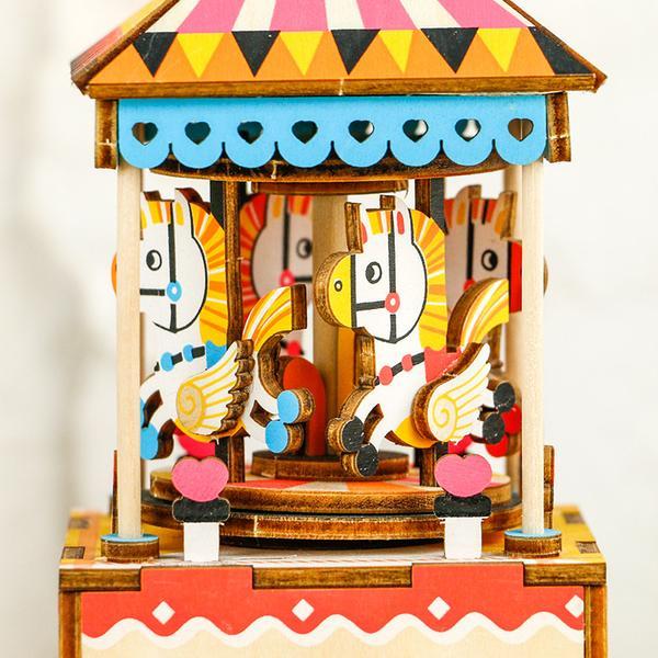 Mô hình Hộp nhạc Vòng quay Ngựa gỗ - Merry go round Music Box AM304
