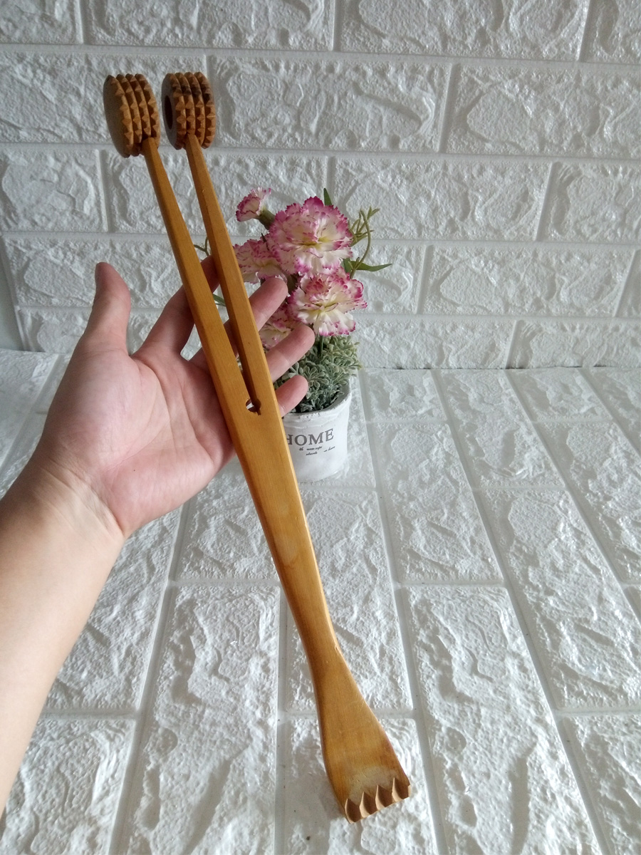 Cây gãi và đấm lưng bằng gỗ bách xanh hai đầu GDL01