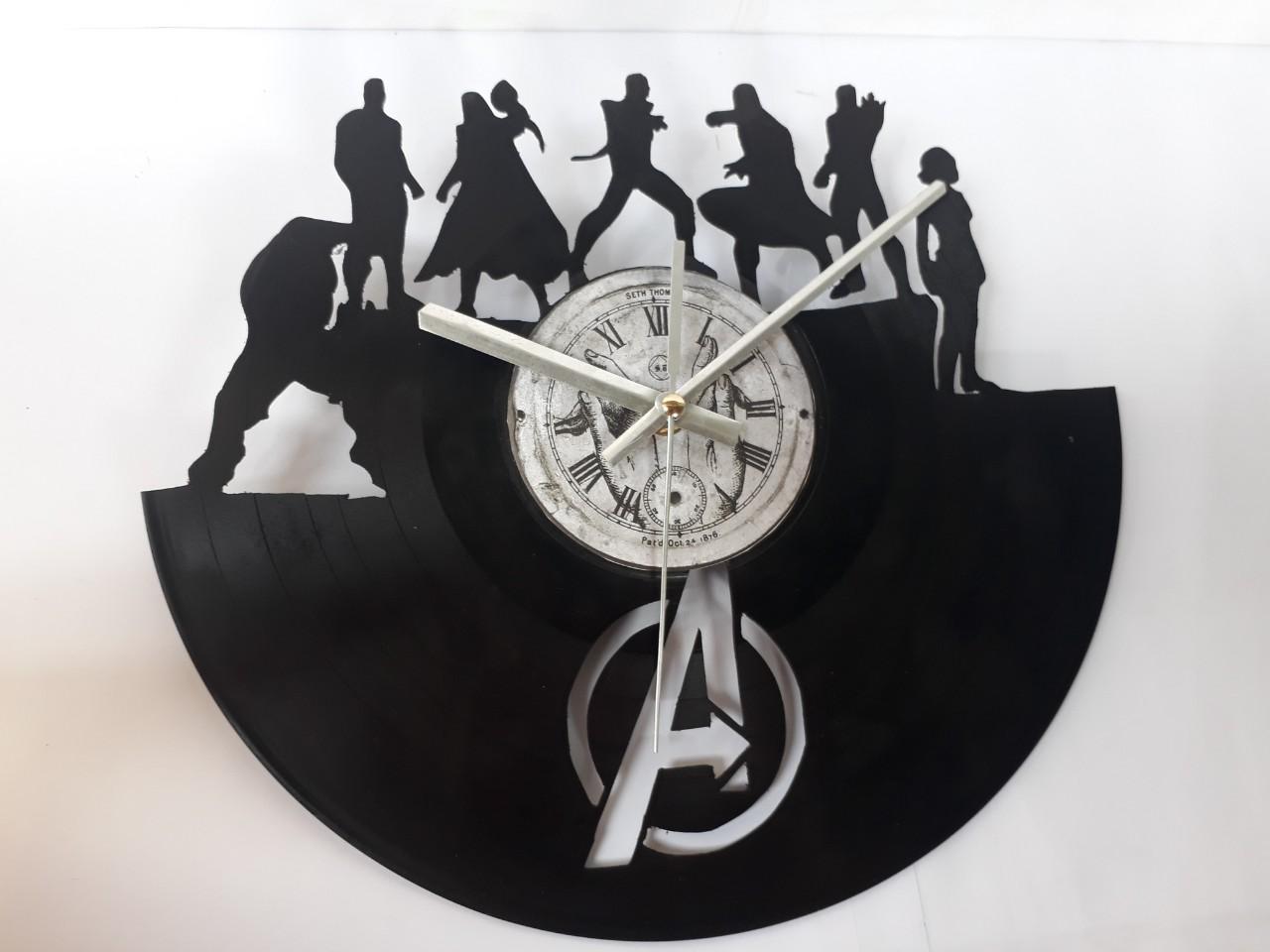 Đồng hồ bằng đĩa than cổ hình biệt đội siêu anh hùng Avenger , Tặng pin đồng hồ , kiều dáng độc, lạ dùng trang trí nhà cửa hoặc làm quà tặng