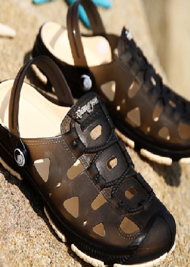 Giày nhựa nam