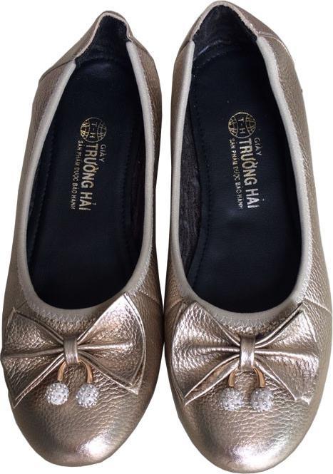 Giày búp bê nữ Trường Hải màu bạc da bò thật mềm mại không bong tróc đính bông xin xắn đê cao su mềm dẻo không trơn BB072