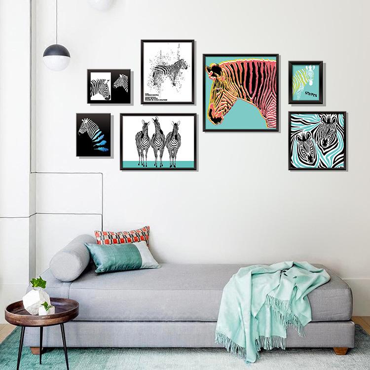 Decal dán tường mô phỏng tranh treo