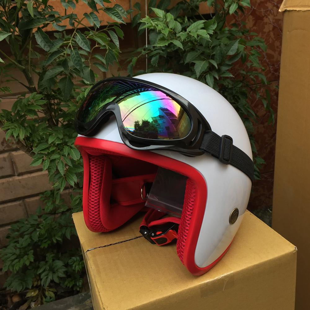 Mũ Bảo Hiểm Phượt 3/4 Đầu Cao Cấp Tặng Kính UV màu ngẫu nhiên (Trắng lót đỏ)