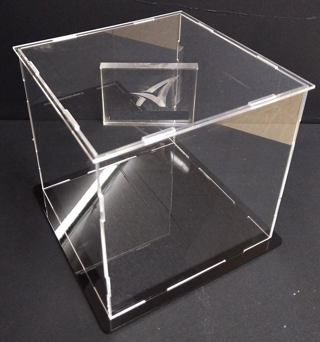 Hộp trưng bày 25x25x25cm mica trong lắp ghép bày mô hình