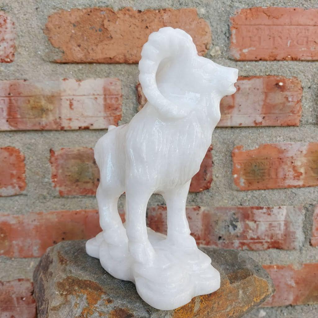 Tượng dê đá tuổi Mùi phong thủy 12 con giáp đá trắng cao 15cm - đá Non Nước