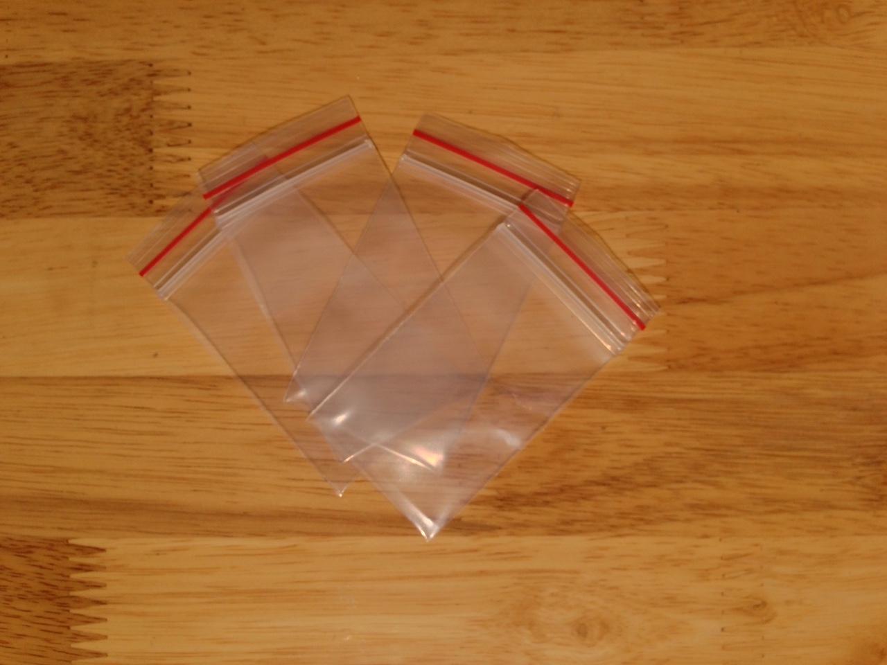 Túi zip chỉ đỏ - Size 4x7 cm (1Kg)