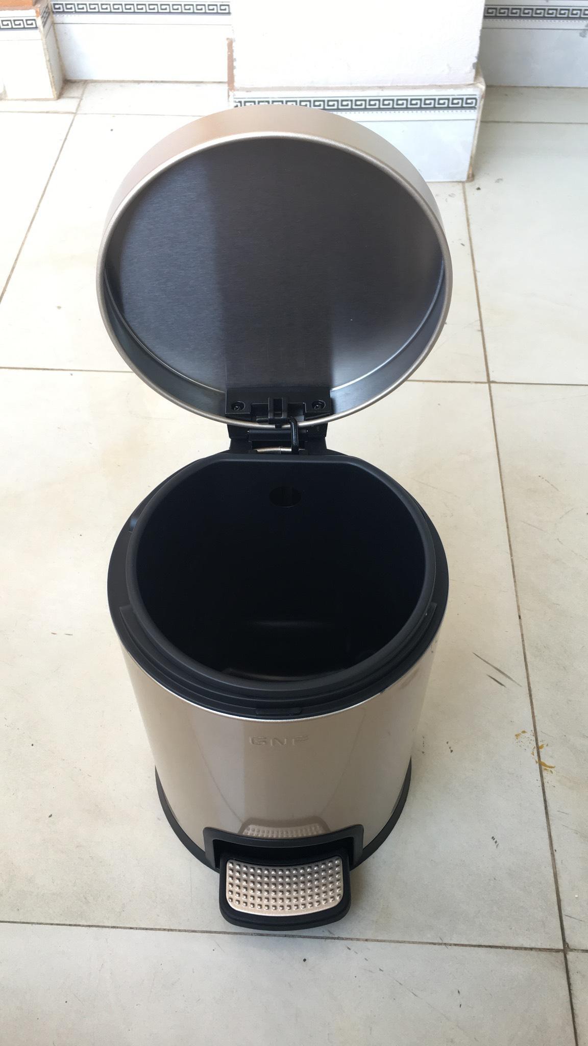 Thùng rác đạp chân có nắp SJ5-Y01- màu Vàng