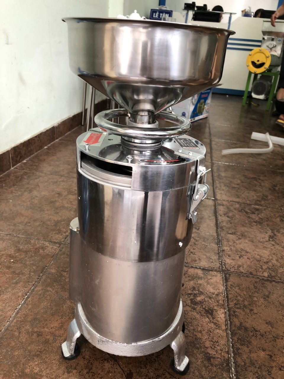 Máy xay vắt sữa ngô non, sữa đậu nành, sữa bắp loại 20kg/h