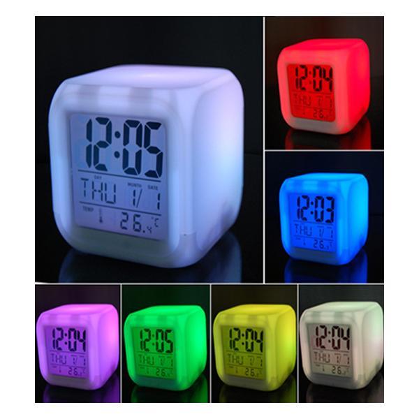 Đồng hồ điện tử đèn led đổi màu ngẫu nhiên