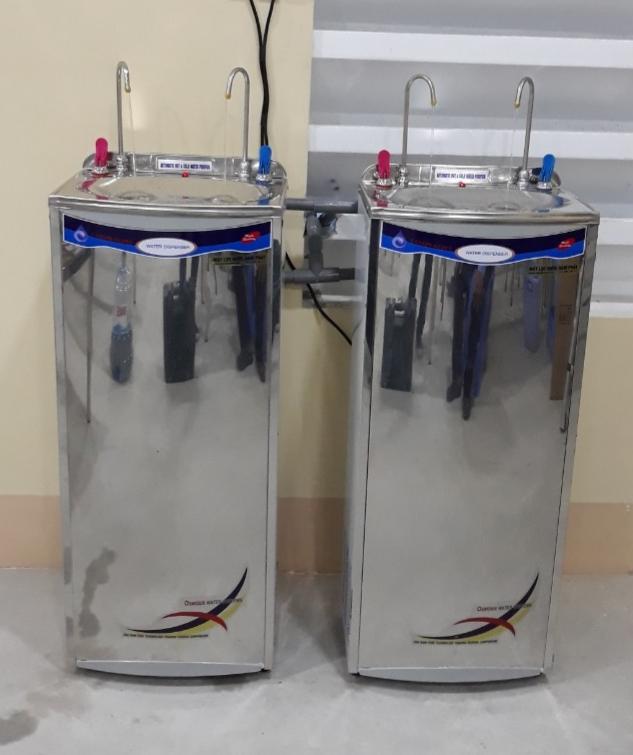 Máy lọc nước NaPhaPro 02 vòi nóng lạnh Công nghiệp tăng cường đèn UV (NP02UV-A-19) - Hàng chính hãng