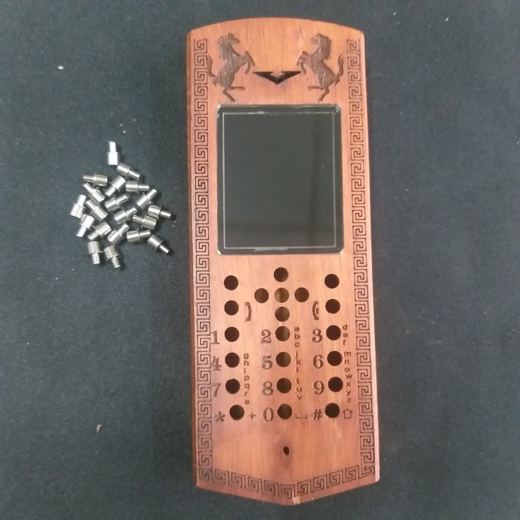 Vỏ gỗ cho điện thoại Nokia 130 năm 2014