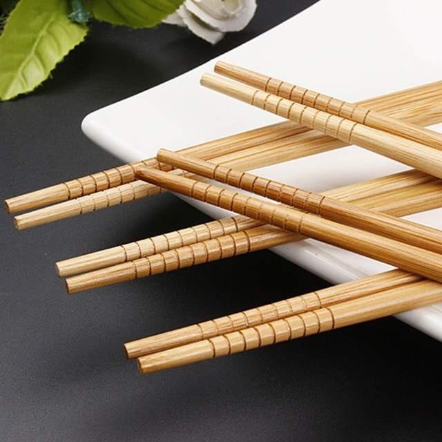 Combo 01 Set đũa tre in họa tiết hoa văn + 02 bát nhựa sơn mài tròn màu đen hàng cao cấp Nhật Bản