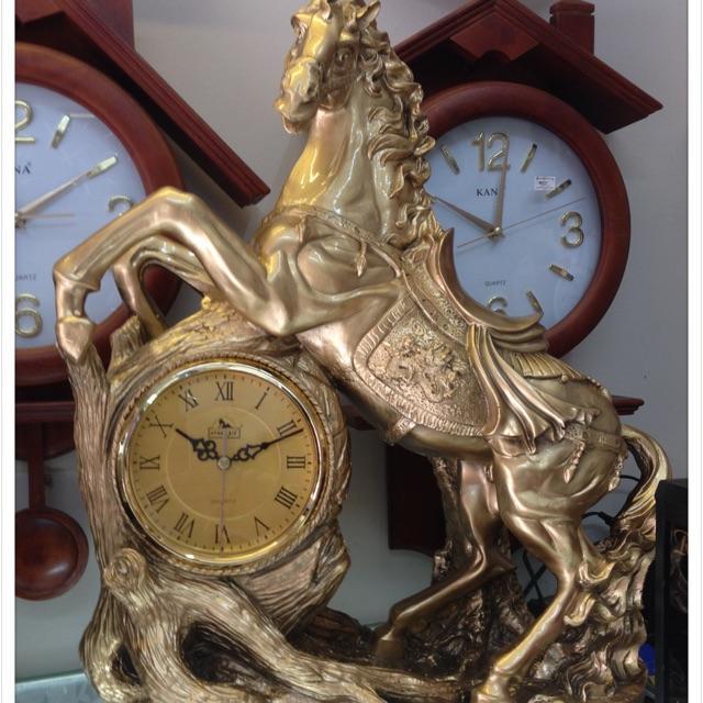 Đồng hồ đặt bàn Thiên Mã