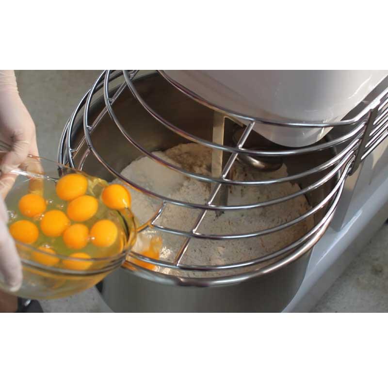 Máy nhào bột/thực phẩm đa năng DK20: Dùng để nhào, trộn mọi loại thực phẩm. Hàng chính hãng SGE Thailand. Dùng cho hộ gia đình, hộ kinh doanh, doanh nghiệp.