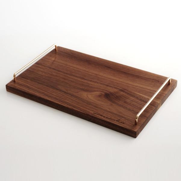 Khay đựng đồ gỗ óc chó có tay xách Holzklotz (25x39cm)