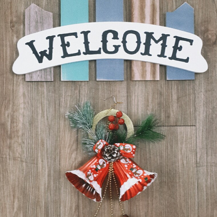 Bảng gỗ treo tường chữ welcome trang trí