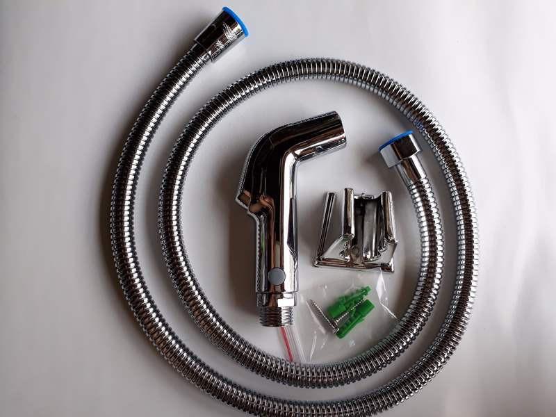 Bộ dây và vòi xịt vệ sinh