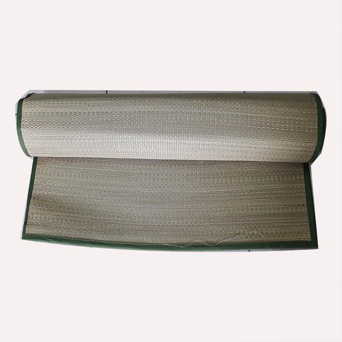 Chiếu cói sợi nhỏ Thái Bình viền vải, kích thước 1.9m x 1,8m( có thể gấp dọc, kích thước còn 1.9m x 0,9m)