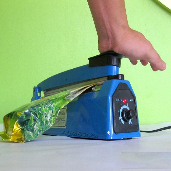 Máy hàn miệng túi bằng tay PFS - 200 giúp bảo quản thực phẩm tốt hơn. Tặng kèm miếng lót nồi rửa bát silicol tiện lợi