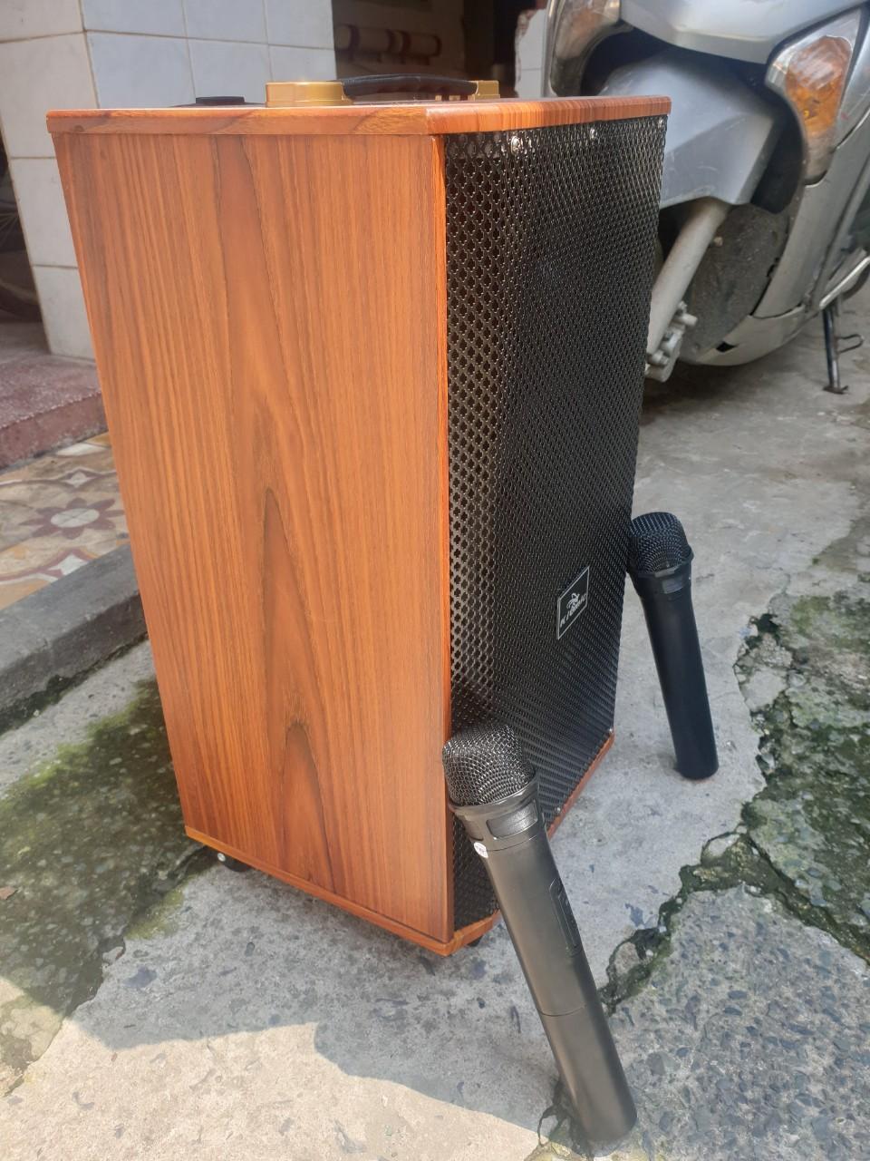 Loa kéo mini Kiomic K88 Loa kéo bluetooth đời 2020 tặng kèm 2 micro lọc âm giảm hú - Hàng Chính Hãng