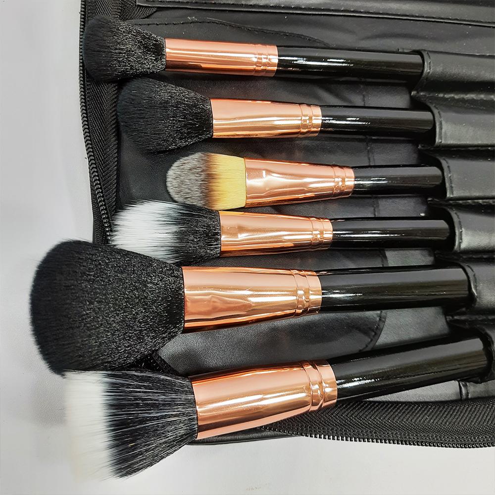 Bộ Cọ Trang Điểm 29 Cây Có Bao Da Công Nghiệp Chia Ngăn Tiện Dụng Chất Liệu Lông Tự Nhiên Cao Cấp Mềm Mịn Bám Phấn  Đầy Đủ Chức Năng Dễ Sử Dụng Cho Makeup Cá Nhân, Cô Dâu Và Chuyên Nghiệp