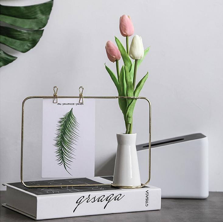 Khung tranh để bàn kèm lọ hoa sứ - QH.6482