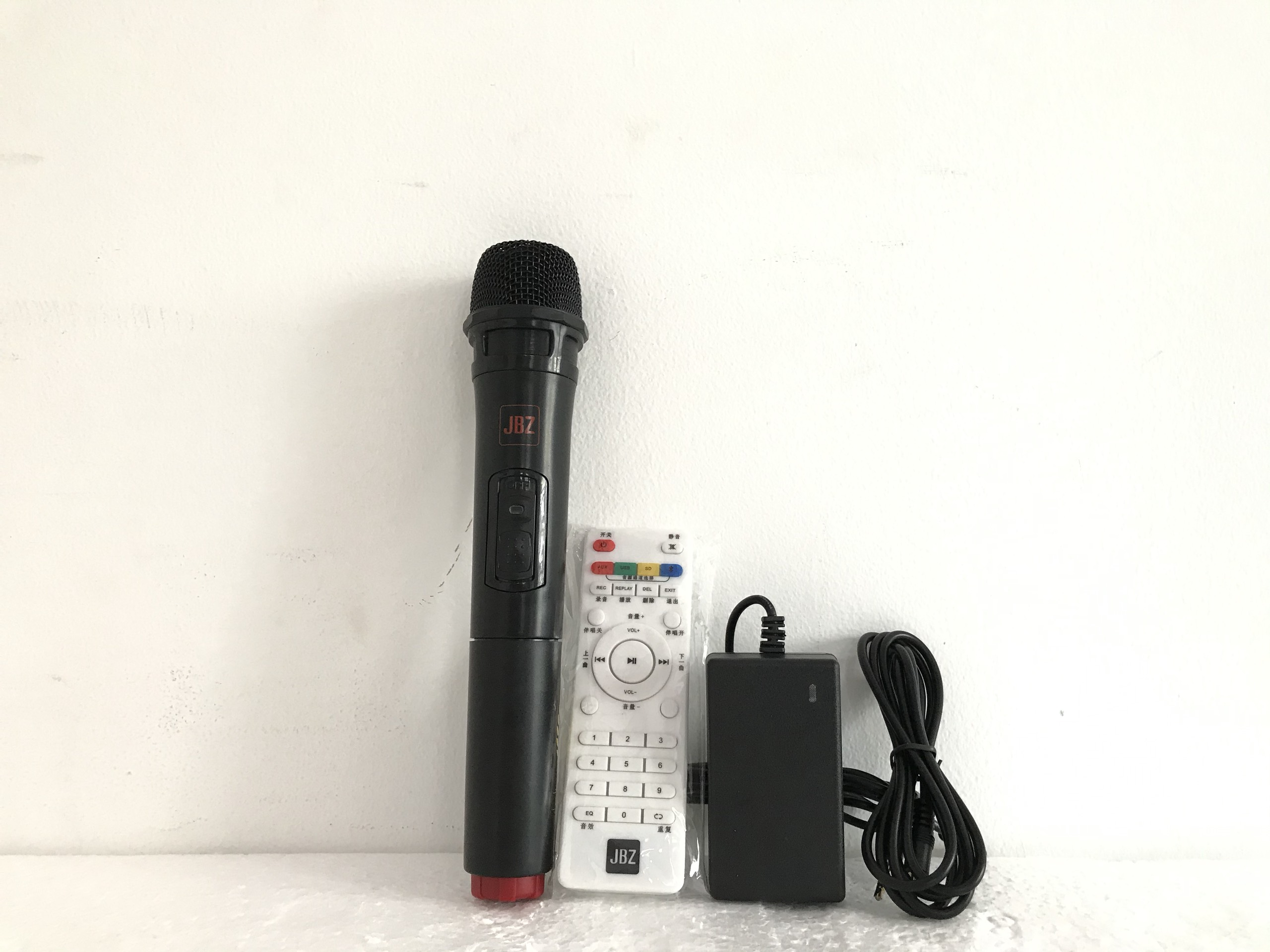 """Loa kéo """"JBZ 106"""" karaoke di động bass 1,6 tấc - SẢN PHẨM CHÍNH HÃNG"""