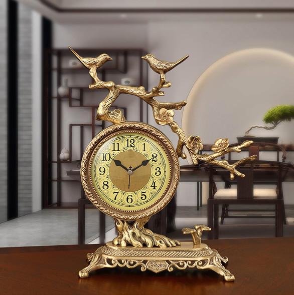 Đồng hồ trang trí bàn tủ kệ họa tiết chim non vui nhộn phong cách tân cổ điển nhập khẩu Hong Kong mang đến vẻ đẹp sang trọng và quyền quý cho không gian trưng bày