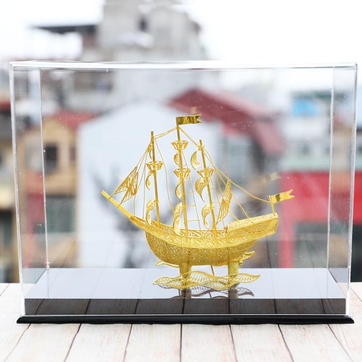 Mô hình thuyền buồm phong thủy mạ vàng
