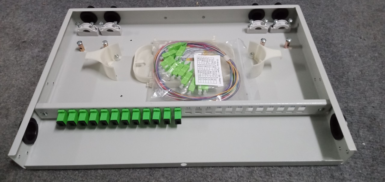 Hộp phối quang 12FO indoor rack 1U-19'', chuẩn SC, full phụ kiện. Hàng chính hãng