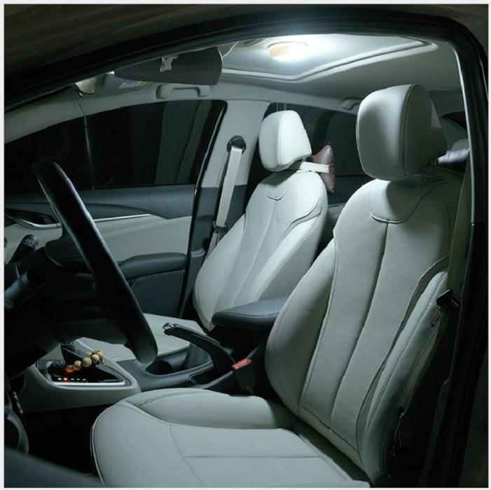 Đèn led gắn trần xe ô tô hoặc phòng khách, phòng bếp
