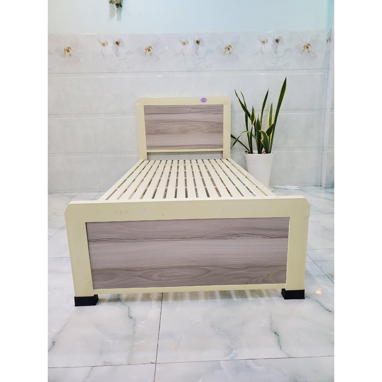 Giường sắt kiểu gỗ cách điệu đầu giường sơn tĩnh điện kích thước 1m2x2m - Mẫu 43