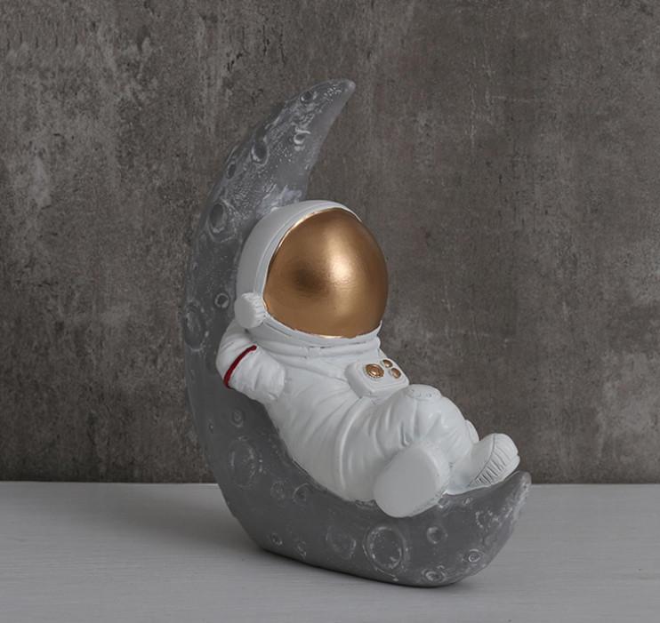 Tượng trang trí Astronauts Relax