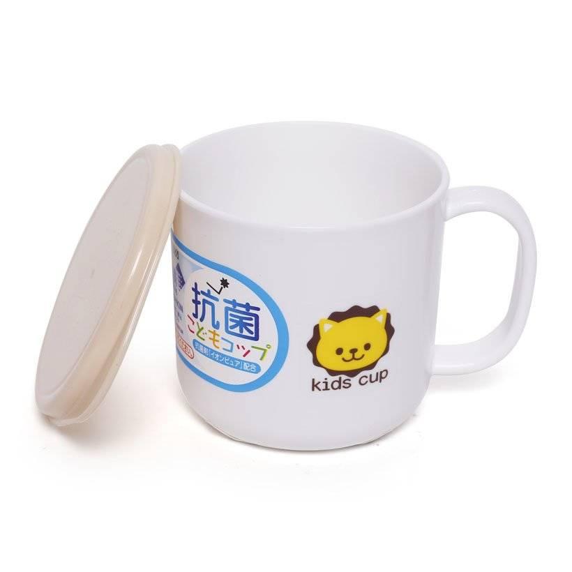 Bộ 2 cốc nhựa chống rơi vỡ cho bé kèm nắp kháng khuẩn (giao màu ngẫu nhiên) - Hàng nội địa Nhật