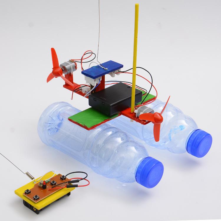 Bộ đồ chơi khoa học tự làm tàu dạng bè chạy trên mặt nước điều khiển từ xa bằng gỗ – DIY Wood Steam
