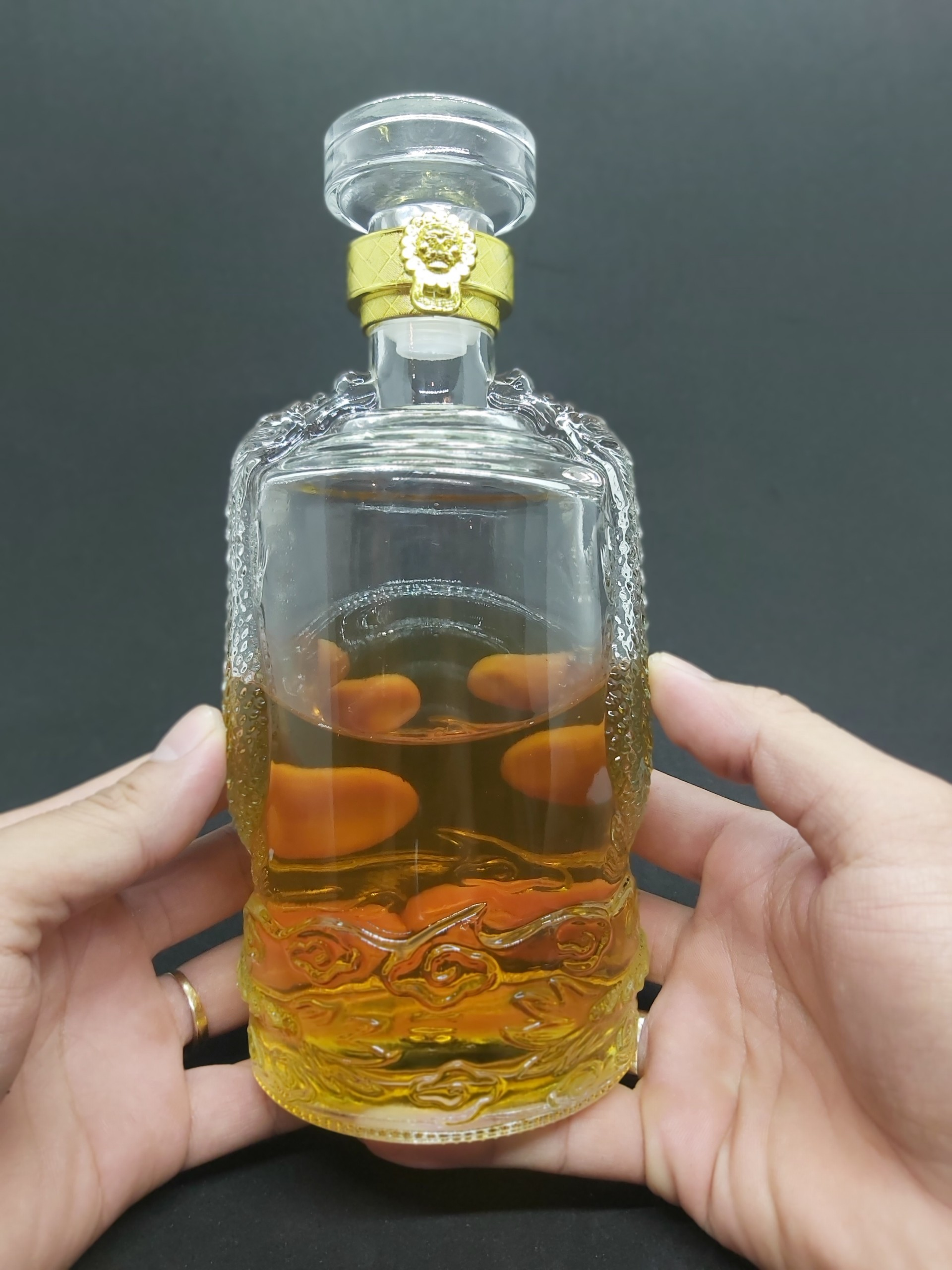 Chai Thủy Tinh đựng Rượu cao cấp hình Rồng Nổi 500ML – Vỏ Chai rượu 500ml, bình thủy tinh trong suốt