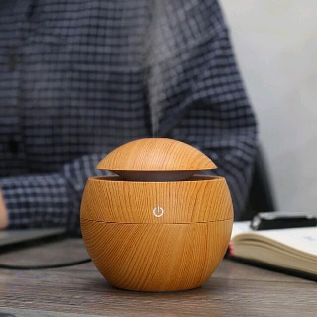Máy xông tinh dầu vân gỗ Nâu ( màu sắc ngẫu nhiên)