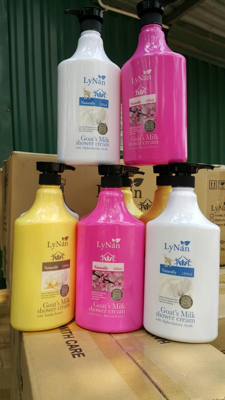 Sữa tắm sữa dê LyNan bổ sung AHA - Nhập khẩu chính hãng