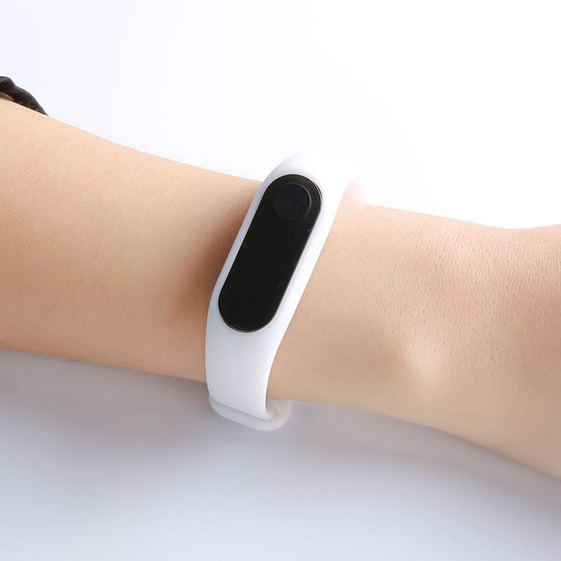 Đồng Hồ Điện Tử Kiểu Dáng Smart Watch - Giá Hủy Diệt
