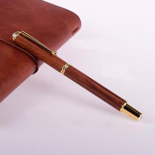 Bút ký gỗ trầm hương cao cấp