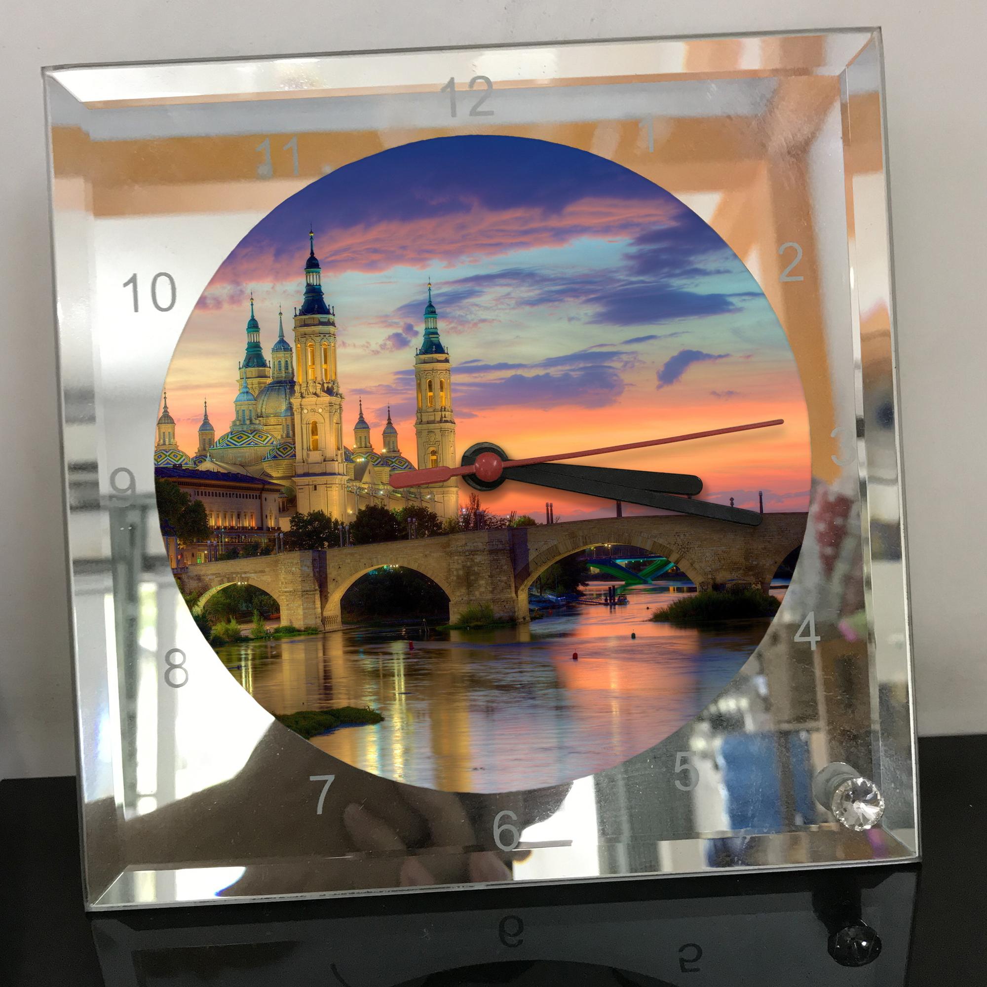 Đồng hồ thủy tinh vuông 20x20 in hình Cathedral - nhà thờ chính tòa (51) . Đồng hồ thủy tinh để bàn trang trí đẹp chủ đề tôn giáo