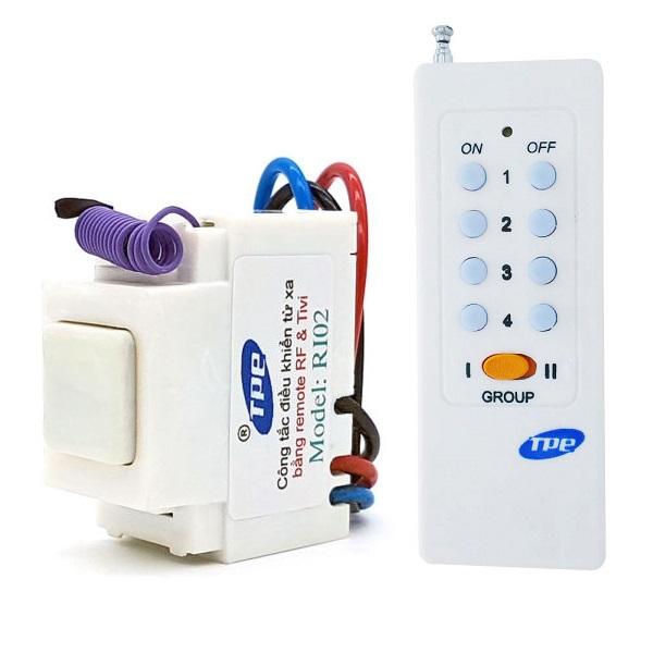 Bộ 1 công tắc điều khiển từ xa TPE RI02 + 1 Remote